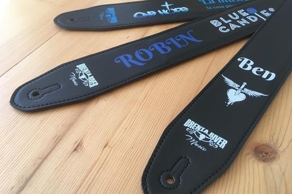 tracolla chitarra personalizzata in pelle con logo