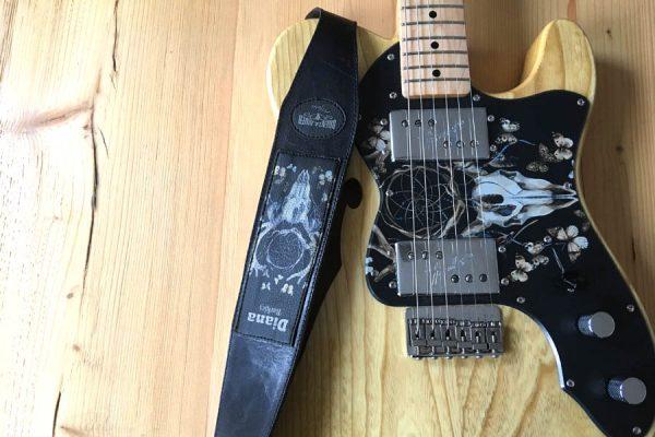 tracolla chitarra personalizzata in pelle artigianale